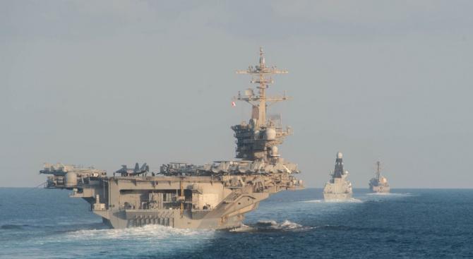 Руски боен кораб и американски разрушител в опасна близост в Арабско море