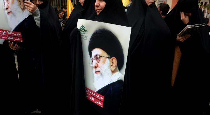 Ирански демонстранти искат оттеглянето на аятолах Хаменей