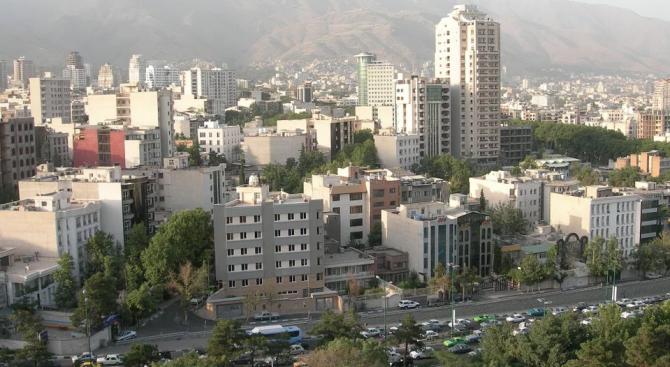 Иранските власти задържаха за няколко часа британския посланик в Техеран