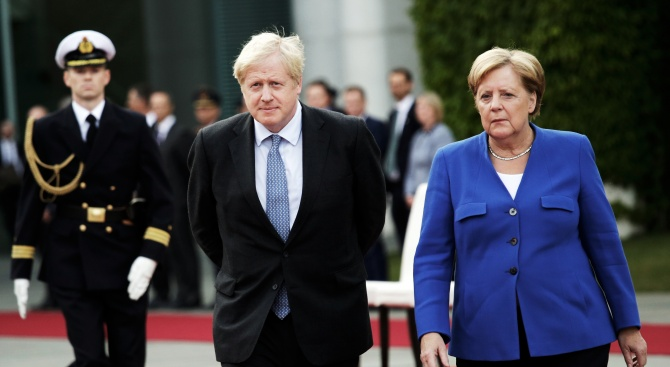 Борис Джонсън и Ангела Меркел с важен разговор