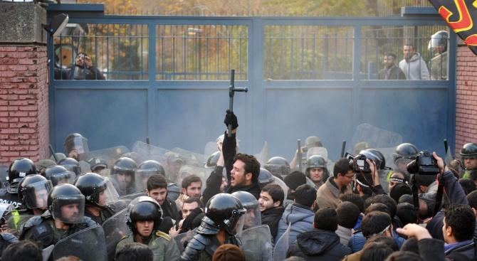 Нови демонстрации в Иран заради свалянето на украинския самолет