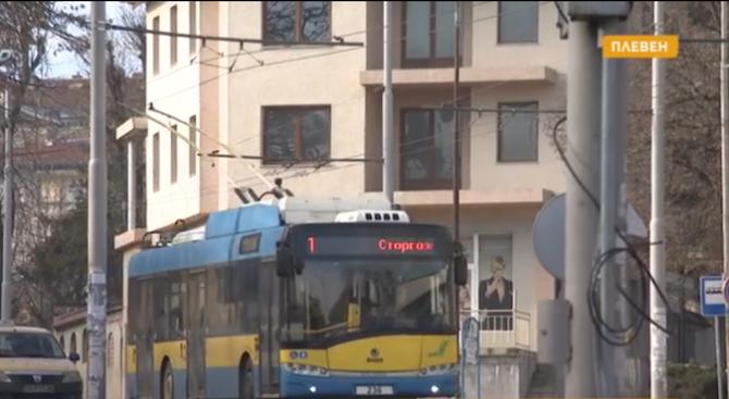 След ремонт на кръстовище в Плевен тролейбусите се движат в насрещното