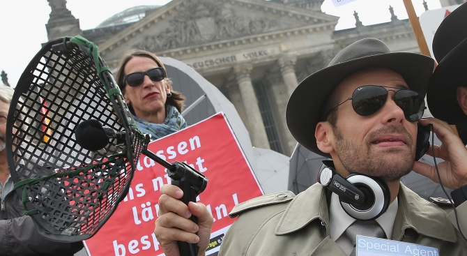 Германското разузнаване слухтяло журналисти