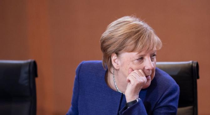 Меркел ще бъде домакин на мирна конференция за Либия в Берлин в неделя