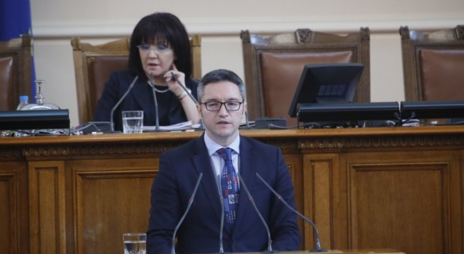 Вигенин: Издигането на Емил Димитров за екоминистър е сюрреалистично