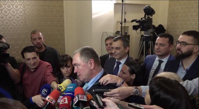 БСП и ДПС искат изслушване на шефа на НЗОК в здравната комисия