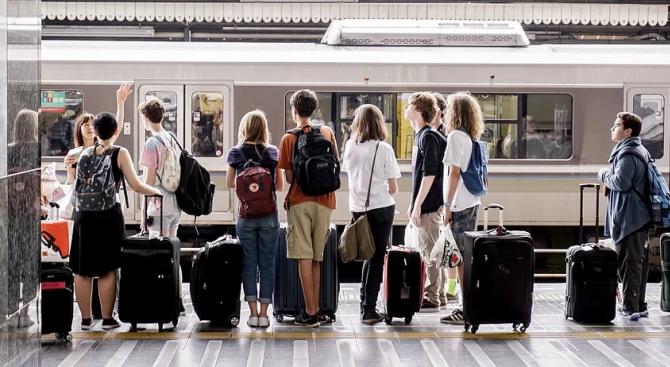 Още 20 000 младежи получават безплатни билети за пътуване в ЕС