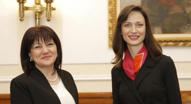Мария Габриел на среща с Цвета Караянчева за Западните Балкани