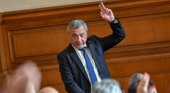 Валери Симеонов внесе Законопроект за забрана на частните лотарии