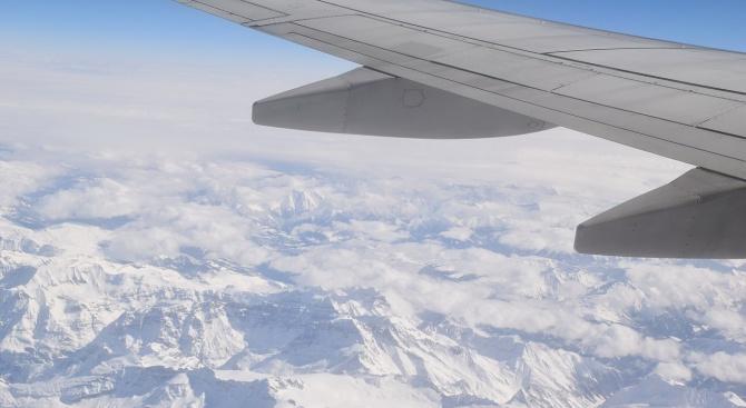 Стотици полета бяха отменени в Чикаго заради силен снеговалеж