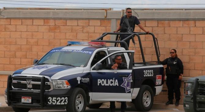 Над 1000 мигранти се опитаха да влязат в Мексико