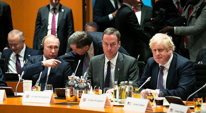 Първа среща между Борис Джонсън и Владимир Путин: Няма да има нормализиране на британско-руските отношения