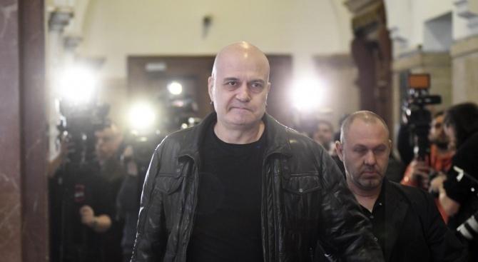 Слави Трифонов с порязващ коментар за съда