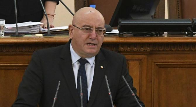 Емил Димитров ще се срещне с представители на рециклиращия сектор