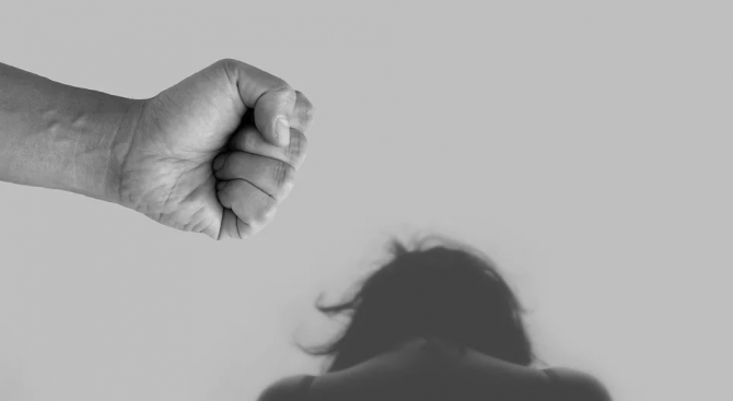 Над 70 човека подават сигнали за домашно насилие на ден