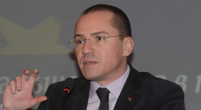 """Джамбазки и Слабаков: Компромис в борбата срещу несправедливия пакет """"Мобилност"""" няма"""