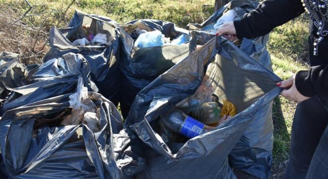 Втора седмица община Асеновград се бори с нерегламентираните отпадъци