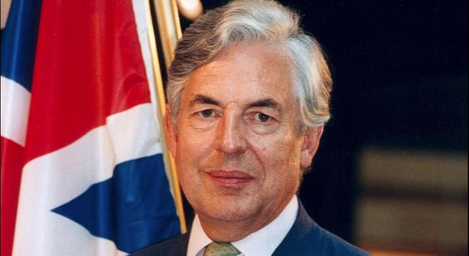 """Британски евродепутат: ЕС сгреши, като затвори блоковете в АЕЦ """"Козлодуй"""""""