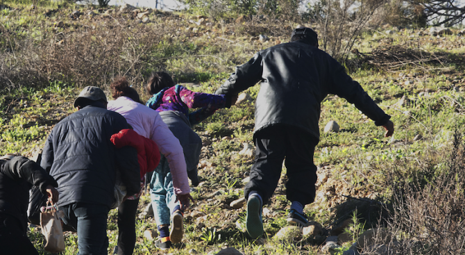 Полицаи гониха бежанци край Димитровград