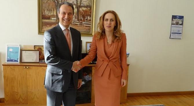 Марияна Николова се срещна с изпълнителния директор на Европалати