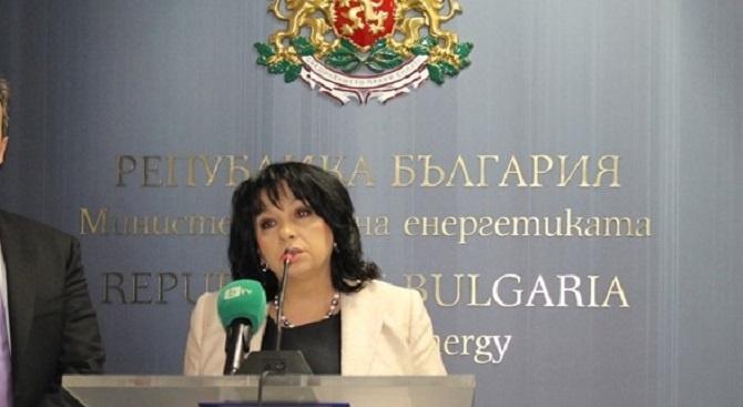 Министър Петкова заминава на работно посещение в САЩ