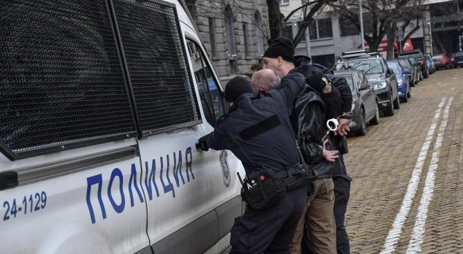 4-има души са задържани на протеста пред МРРБ