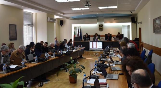 """Общинските съветници прекратиха дейността на """"Общински пазари-Ловеч"""""""