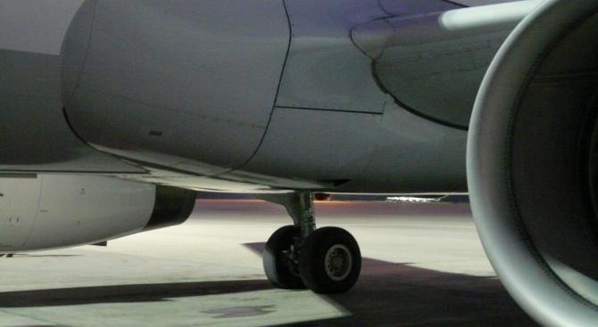 Канадският самолет извърши успешно аварийно кацане на летището в Мадрид