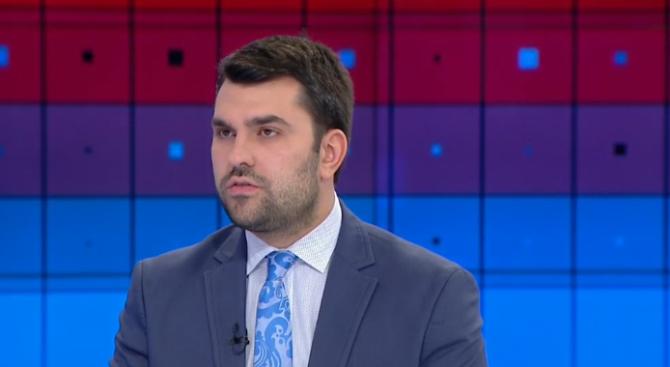 Георг Георгиев за снетото доверие от президента: Дълбоко наранен съм