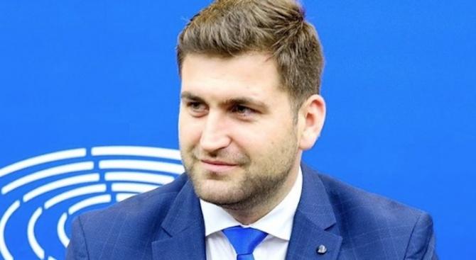 Какво ще се случи с България след новия бюджет на ЕС и когато влезе в чакалнята на Еврозоната?