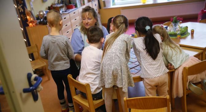 Директорка на детска градина си купи телефон със служебни пари