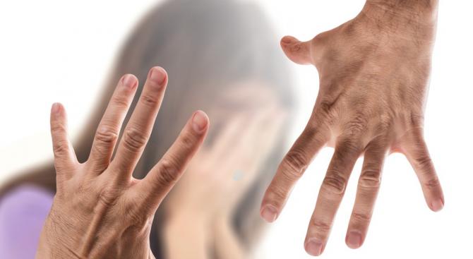 26-годишен мъж удари тийнейджърка пред гимназия в Смолян
