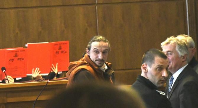 След банковия обир: Синът на скулптура Георги Чапкънов остава в ареста