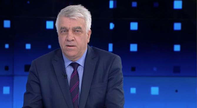 Румен Гечев: Управляващите ни сервират скандал след скандал