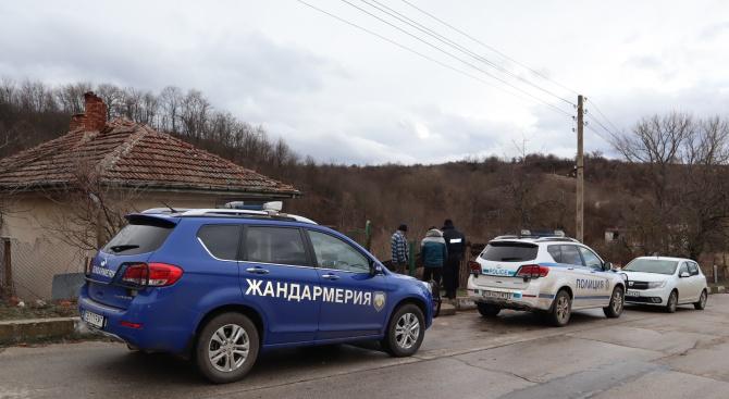 Специализирана полицейска операция в село Черно поле