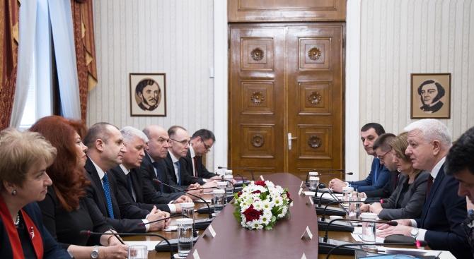 Радев: България цени приноса на Черна гора за изграждане на добросъседски отношения и укрепване на стабилността на Балканите