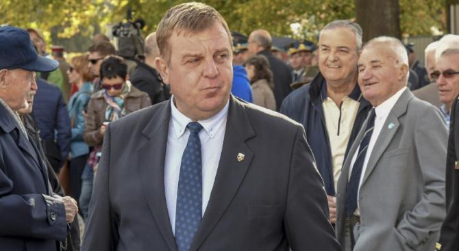Каракачанов: Армията е в готовност - няма да допусна нова вълна мигранти към страната
