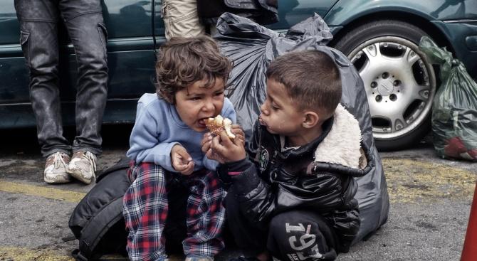Берлин взима деца от Гърция