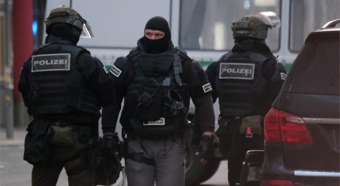 Осем души, сред които българин, са обвинени в Германия във връзка с даркнет център
