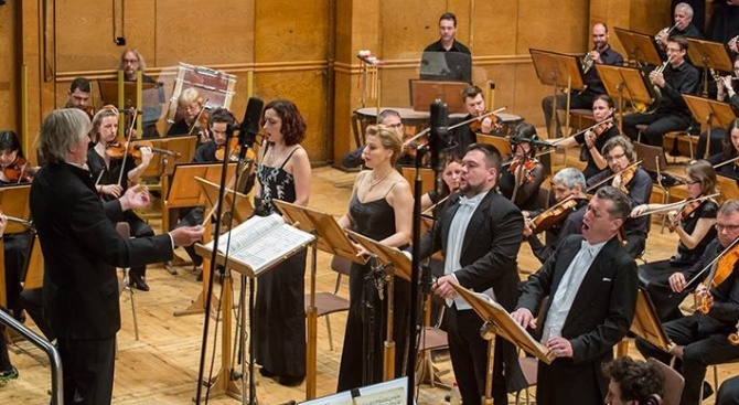 """Софийската филхармония представя онлайн """"Реквием"""" от Верди и """"Меса за мир"""" от Дженкинс"""