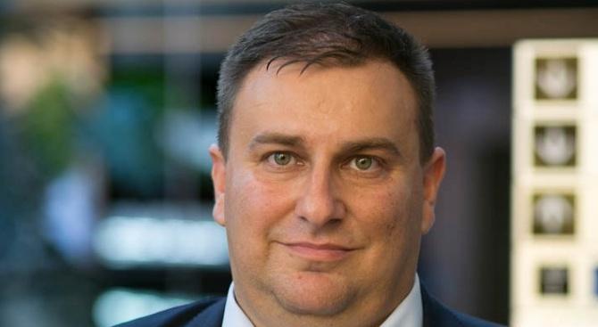 Емил Радев настоя за пълна прозрачност при изготвянето на новия черен списък на ЕС за пране на пари в трети страни