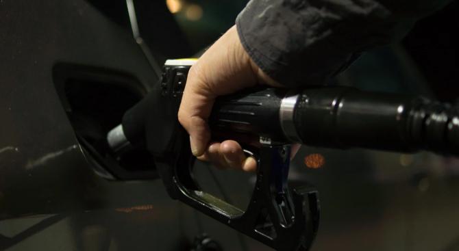 """""""Уолстрийт джърнъл"""": Какво ще кажете за цена на барел петрол от около минус 37 долара?"""