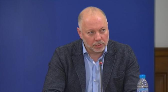 Транспортният министър обяви дали остава карантината за прибиращите се от чужбина