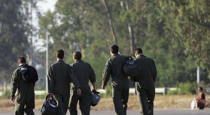 Първите ни пилоти заминават през юни в САЩ за обучението си на F-16