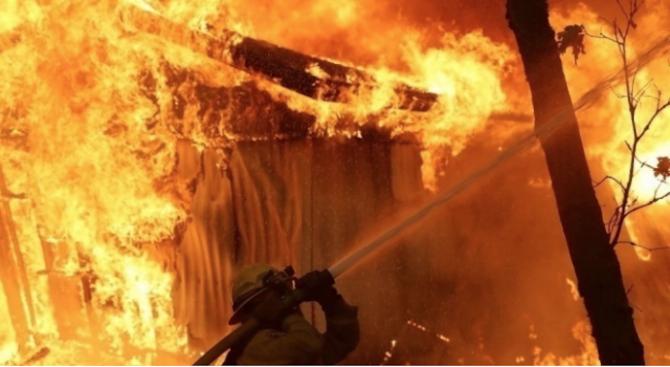 Възрастна жена почина при пожар в дома си в Пещера