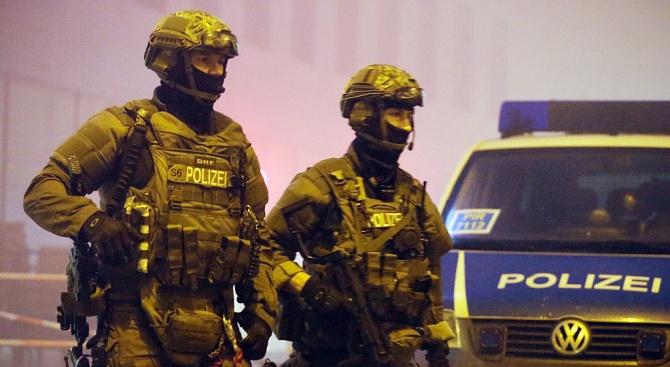 Берлинската полиция конфискува кокаин и огнестрелни оръжия при голяма акция срещу организираната престъпност