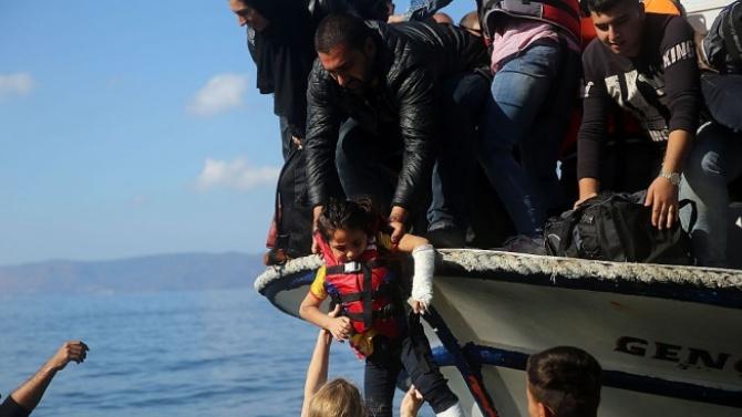 Малта незаконно е върнала лодка с мигранти и я е отпратила към Италия