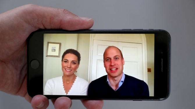 Уилям и Кейт тайно подкрепяли уязвими хора в кризата