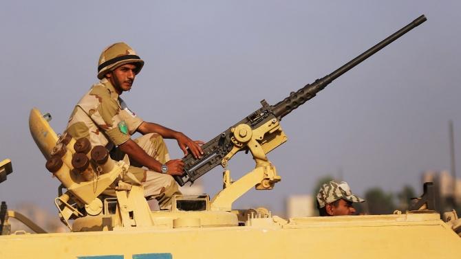 Египет разположи танкове по границата си с Либия