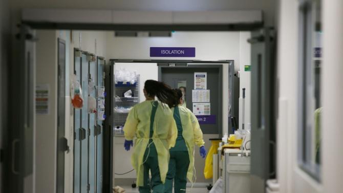 Във Великобритания има близо предполагаеми 50 000 смъртни случая, причинени от COVID-19